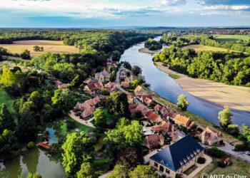 apremont-sur-allier-village-03